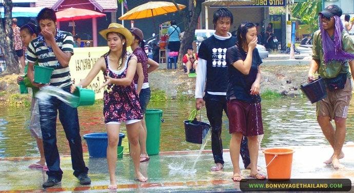Le Festival Songkran à Chiang Mai - Vielle Ville