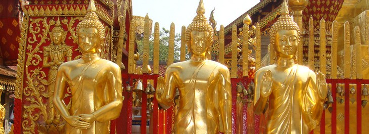 golden buddha statues at doi suthep temple