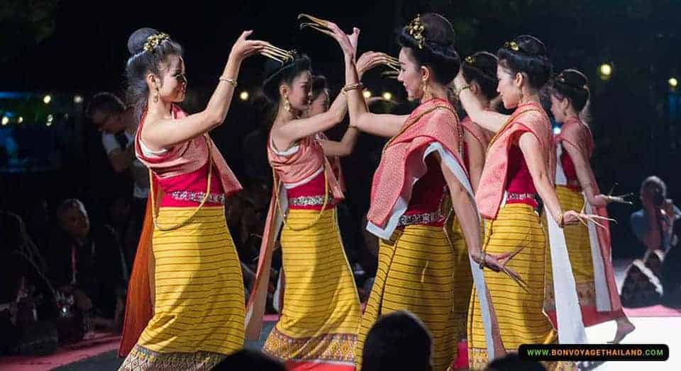 khantoke dinner show at old chiang mai cultural center