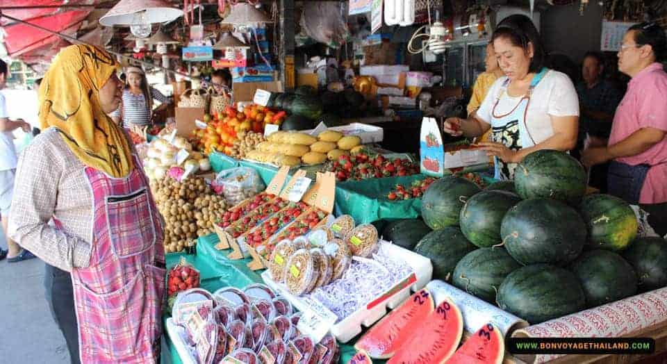 local tropical fruit stall at warorot market