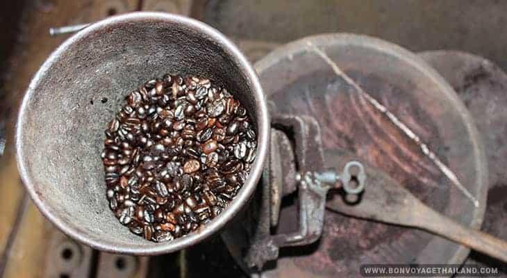 coffee roasting at mae klang luang on doi inthanon