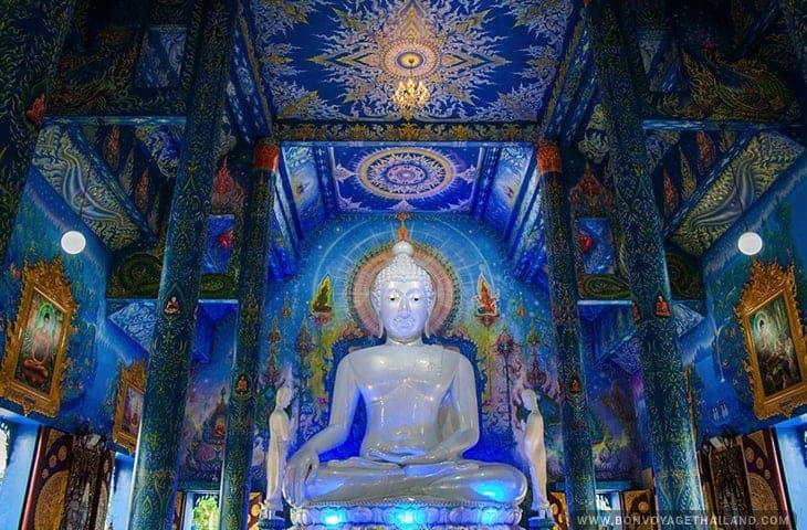 Blue Temple (Wat Rong Suea Ten) Chiang Rai