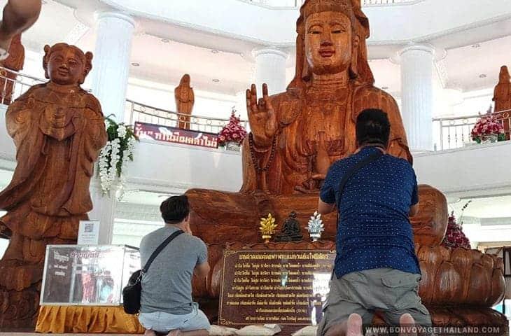 Clients at the Wat Huay Pla Kang