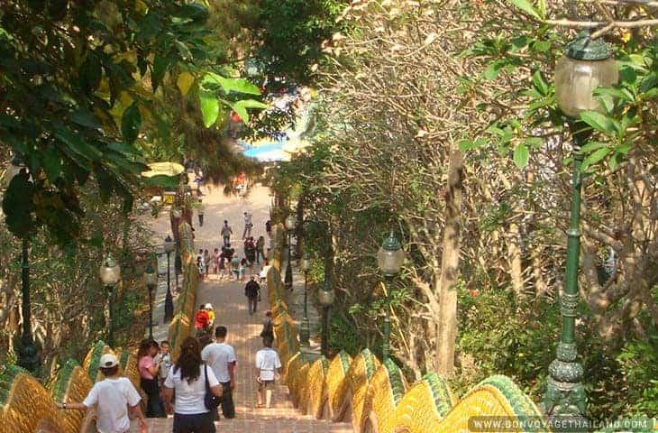 Wat Phra That Doi Suthep Stairs