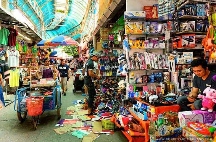 Mae Sai Market Vendor