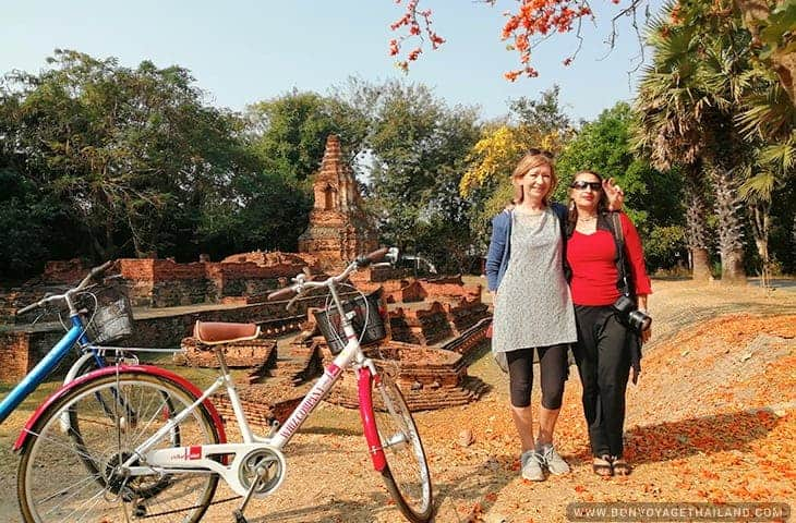 Tourists with bikes at Wiang Kum Kam